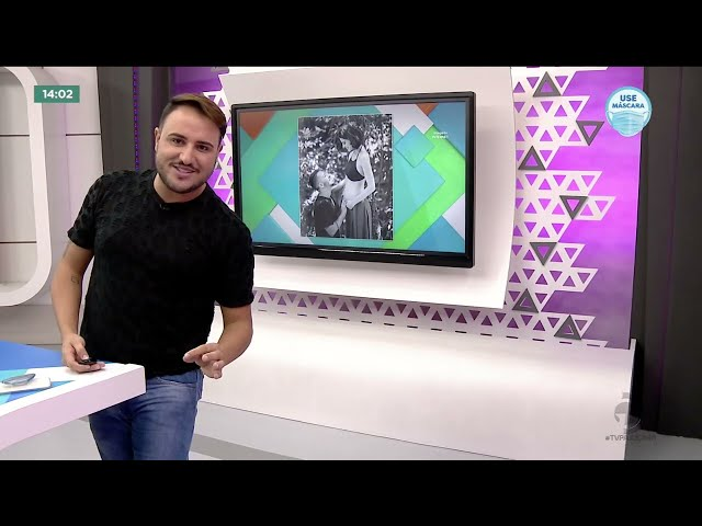 Júnior Lima anuncia gravidez da esposa