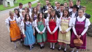 La jeunesse de Pont-la-Ville chante le 1er mai