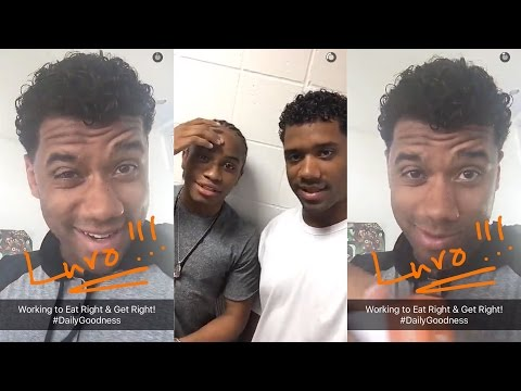 Russell Wilson Snaps (feat. Ciara Concert)