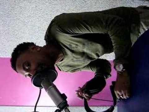 Kim van Santen filmt; Gio at Veronica Radio