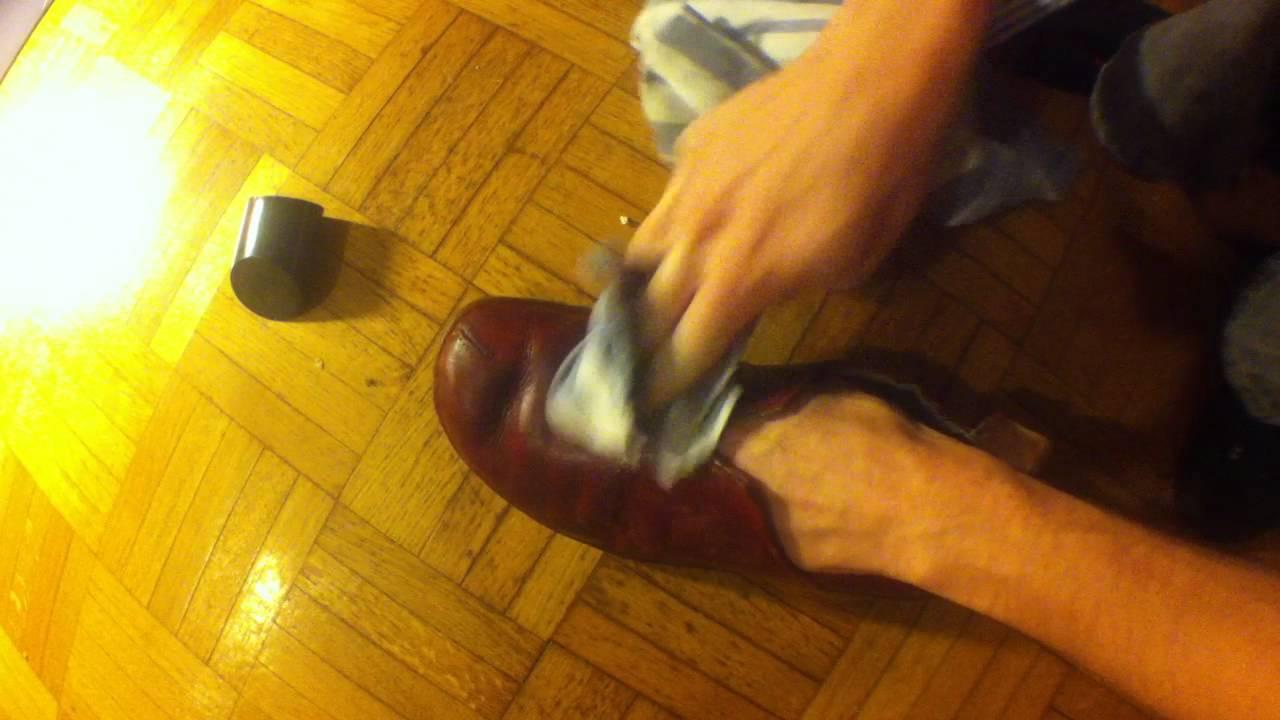 Comment bien cirer ses chaussures en cuir youtube - Comment cirer des chaussures ...