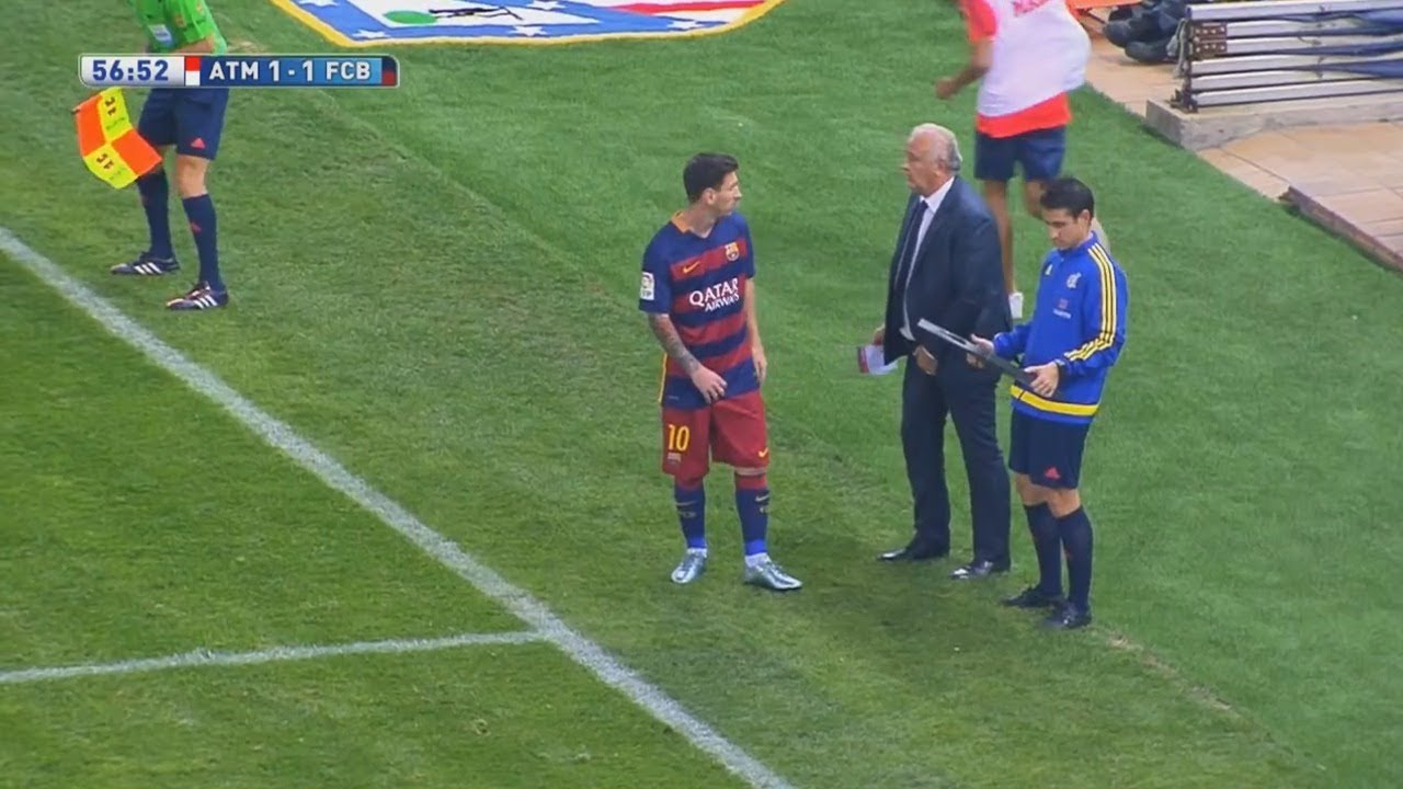 5 Times Lionel Messi substituted & changed the Game