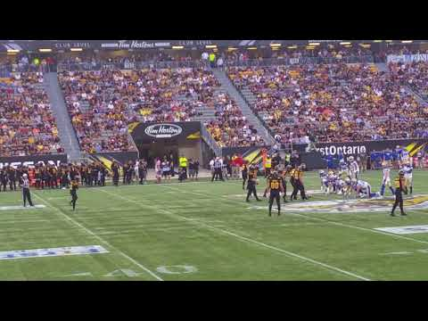 Amerikai foci meccs Hamiltonban  Kanadában  .