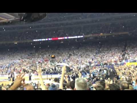 Villanova buzzer beater!!! (Crowd reaction) 2016 NCAA champs!