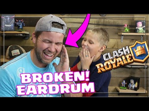 My SON BREAKS my EARDRUMS! Opening a Magical Chest   Clash Royale