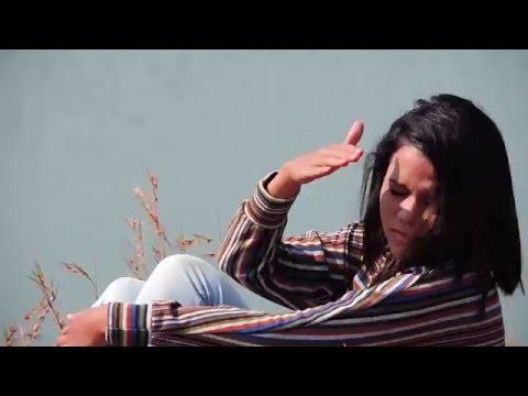 Hasi Ban Gaye (Unplugged) New Lyrics.