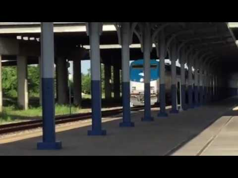 Amtrak Sunset Limited arrives at Houston (HOS) Train Station 5/28/16
