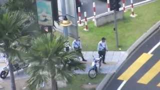 Malaysian Police Truth Comes White Tourist In Trouble Nando