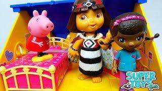 PEPPA PIG LA DOTTORESSA PELUCHE DORA L'ESPLORATRICE -  Peppa Pig presenta il suo show televisivo!