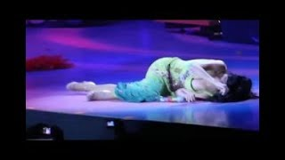 Katy Perry Collapses And Carried Off Stage