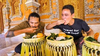 Royal Balinese Food - AMAZING INDONESIAN FOOD at The Palace in Bali, Indonesia! thumbnail