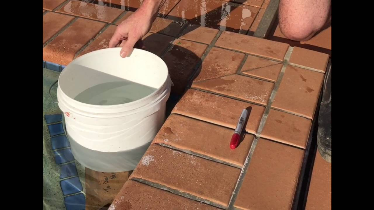 Is My Swimming Pool Leaking The Bucket Test Youtube