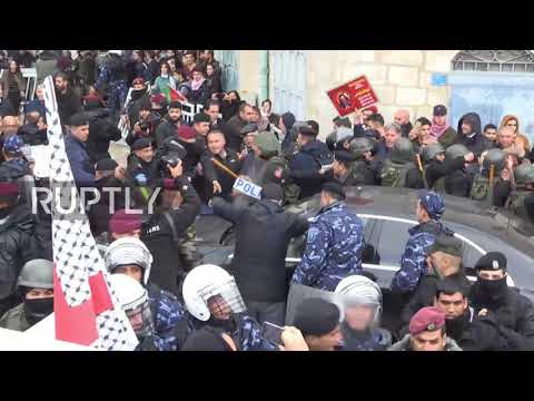 State of Palestine: Protesters pummel Greek Patriarch's convoy after land deal