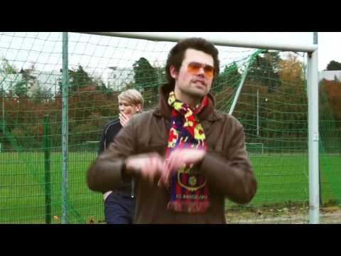 Lavis feat. Eino Antiwäkki - Junnujoukkueen Valmentaja [Musiikkivideo]