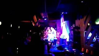Earl Klugh (Live Performance at Blue Jazz Note Club)