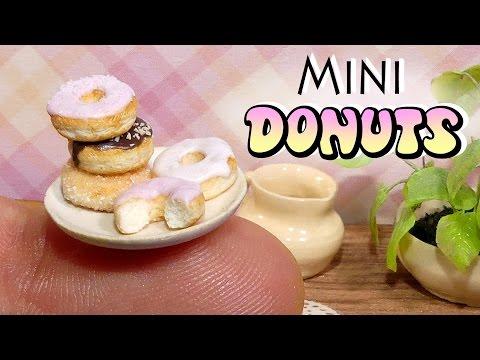 Simple Mini Donuts Tutorial // DIY Miniature Food www.sugarcharmshop.dk