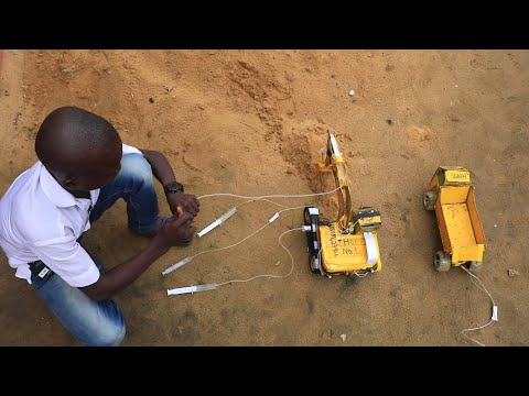 Nigeria's 15-year-old engineer with grand plans - BBC What's New?