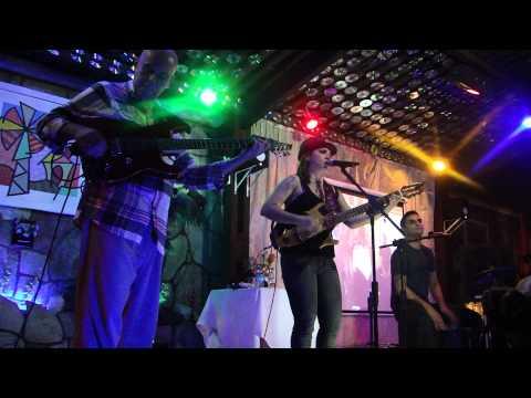 Adriana Kelly e Rabello é show betos bar 07-07-2012