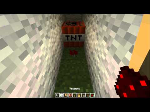 Minecraft tutorial - How to blow up your friend with TNT
