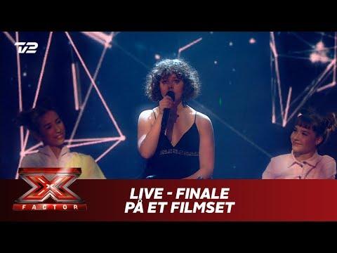 Live synger 'Finale på et filmset' - Carl Emil Petersen (Live)   X Factor 2019   TV 2