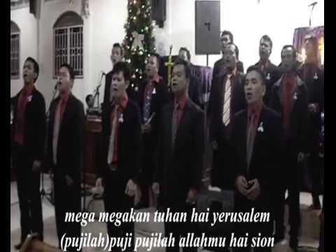 koor saat acara natal Persatuan Artis Batak Cileungsi(PABSI)