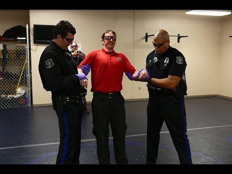 Sioux Falls Police Officer Gets Shot by Taser