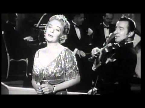 Moonlight Bay: Alice Faye
