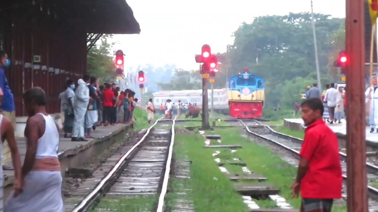 King OF Bangladesh Railway l| Non Stop Suborno Express Dhaka to chittagong Train