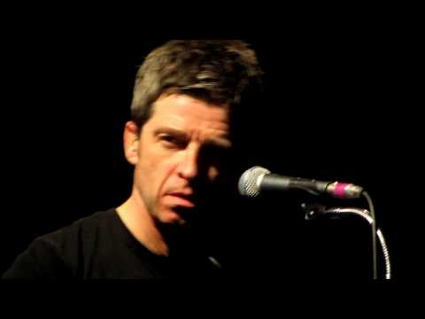 Noel Gallagher - Dead In The Water (live...