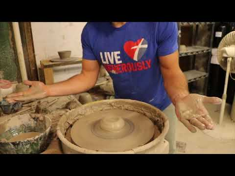 5 steps to CENTERING CLAY on the wheel!...for beginners