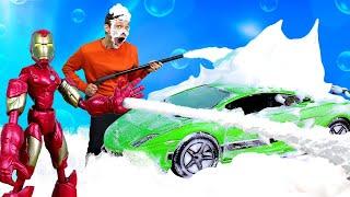 Видео с супергероями - Железный Человек и Фёдор моют Машинки! – Новые игры для мальчиков.