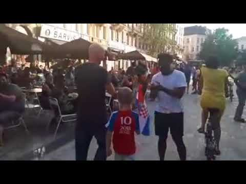 Boy get's standing ovation in Brussels for croatian flag