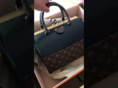 299427fb7c3 Unboxing Louis Vuitton Speedy Doctor 25