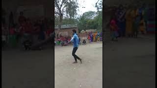 Maa Teri Ungali Pakad Ke Chala😳😳Best Dance.Ajay Kumar.. Akbar Dekhe Dancer Sanatan..👍😯