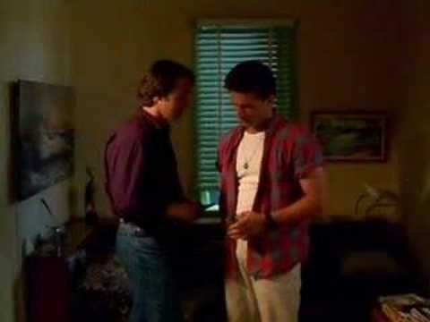 the sum of us escena gay russell crowe youtube. Black Bedroom Furniture Sets. Home Design Ideas