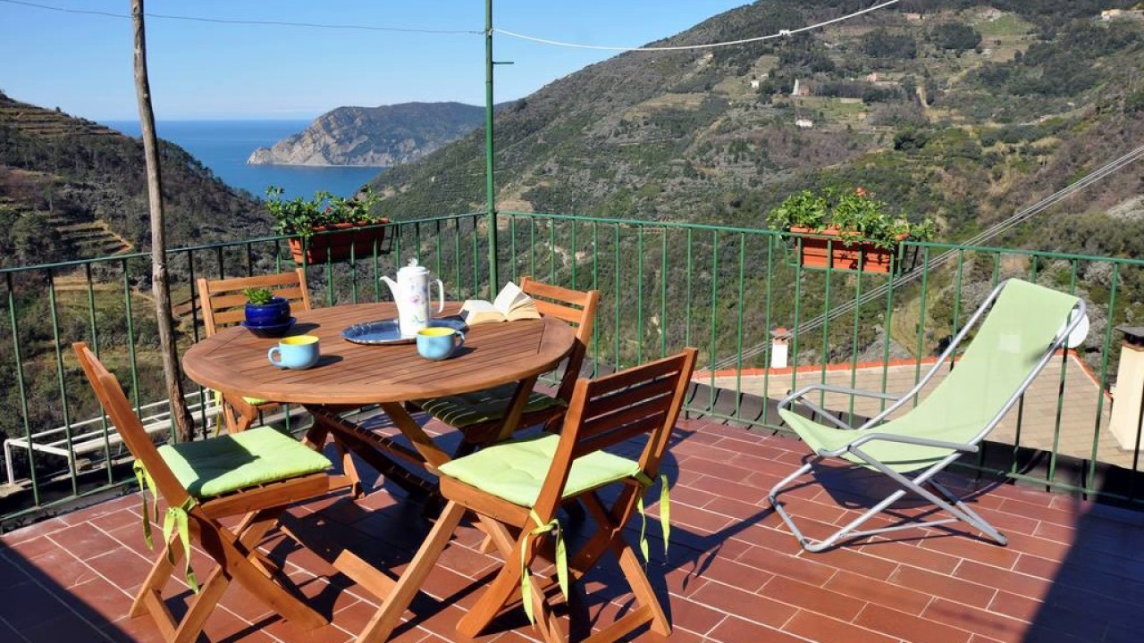 Muro Apartment Hotel In Vernazza Italy