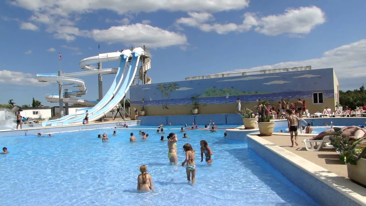 Camping les mimosas youtube for Camping bormes les mimosas piscine