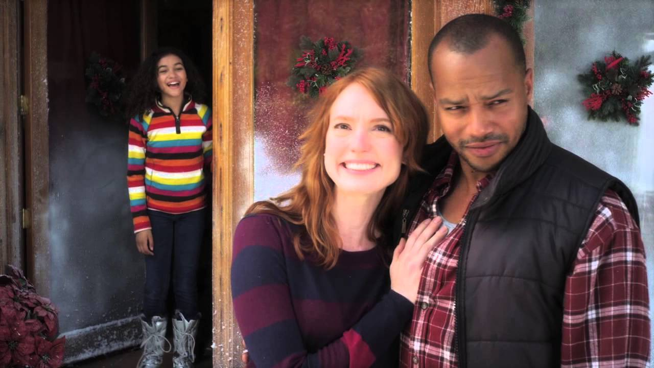 A Christmas Snow.A Snow Globe Christmas Official Trailer