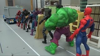 Spiderman 10 Super Heroes go into the dump truck! toys play 스파이더맨 10명 슈퍼 히어로 덤프트럭 안으로! 장난감 놀이