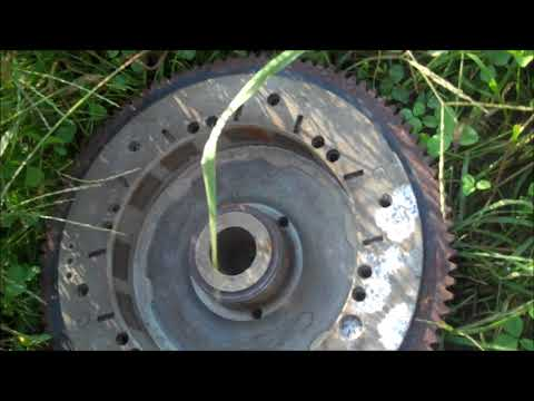 How to remove outboard motor flywheel without a puller