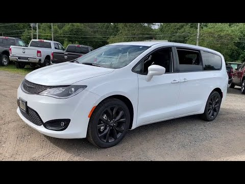 2019 Chrysler Pacifica Near me Milford, Mendon, Worcester ...
