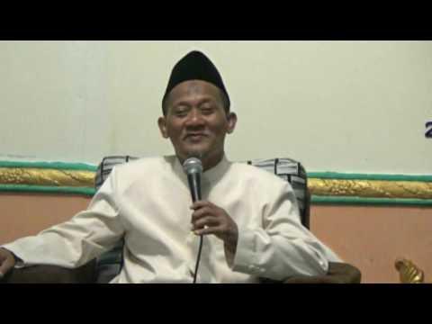 KH  IRFAN SHOLEH ABDUL HAMID BAHRUL ULUM TAMBAK BERAS JOMBANG