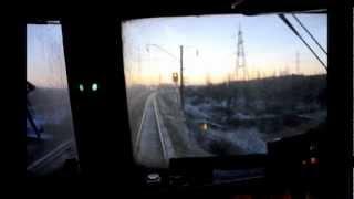 Из кабины ВЛ80С-1666 (3-секц.), г. Таганрог(Автор видео Константин Назаров (kVA). Публикуется с его разрешения. Электровоз ВЛ80С-1666 (в составе трёх-секцион..., 2012-11-08T15:56:58.000Z)
