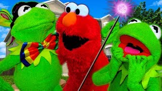 Elmo Surprises Kermit the Frog with a Magician!