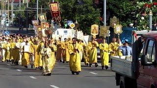 Крестный ход православных в Гродно 25 июня 2017 г. (прохождение возле Владимирской церкви).