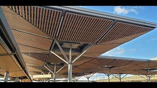 Forro de madeira plástica no Aeroporto Internacional de Brasília
