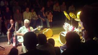 Larry Coryell, Joey di Francesco und Alphonse Mouzon:  Funky Waltz