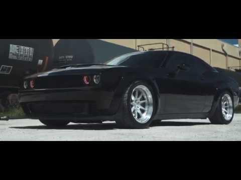 Dodge Challenger Widebody Hellcat | Velgen Wheels SL- Series