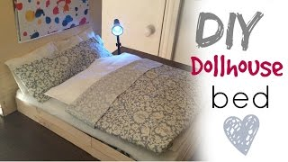 This doll bed is made from cardboard, popsicle, fabric and soft toy stuffing. Musik:Carefree by Kevin MacLeod is licensed under a