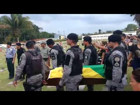 Corpo do sargento PM Paulo de Andrade é sepultado no Morada da Paz